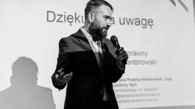O prawie w podcastingu opowiada Piotr Kantorowski